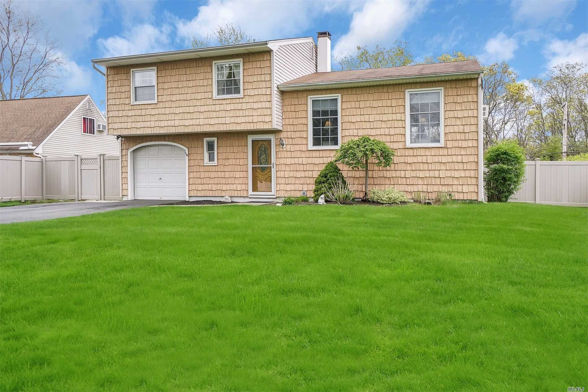 Another Property Sold - 453 Greenbelt Pkwy, Holtsville, NY 11742