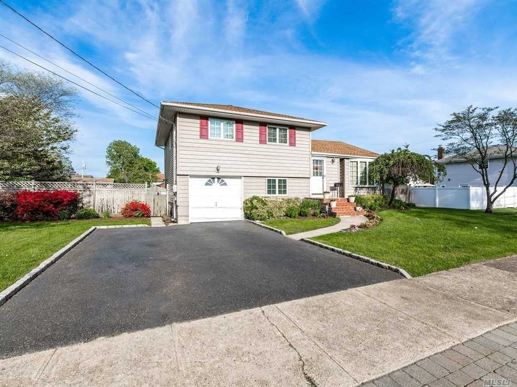 Another Property Sold - 853 Milligan Ln, West Islip, NY 11795