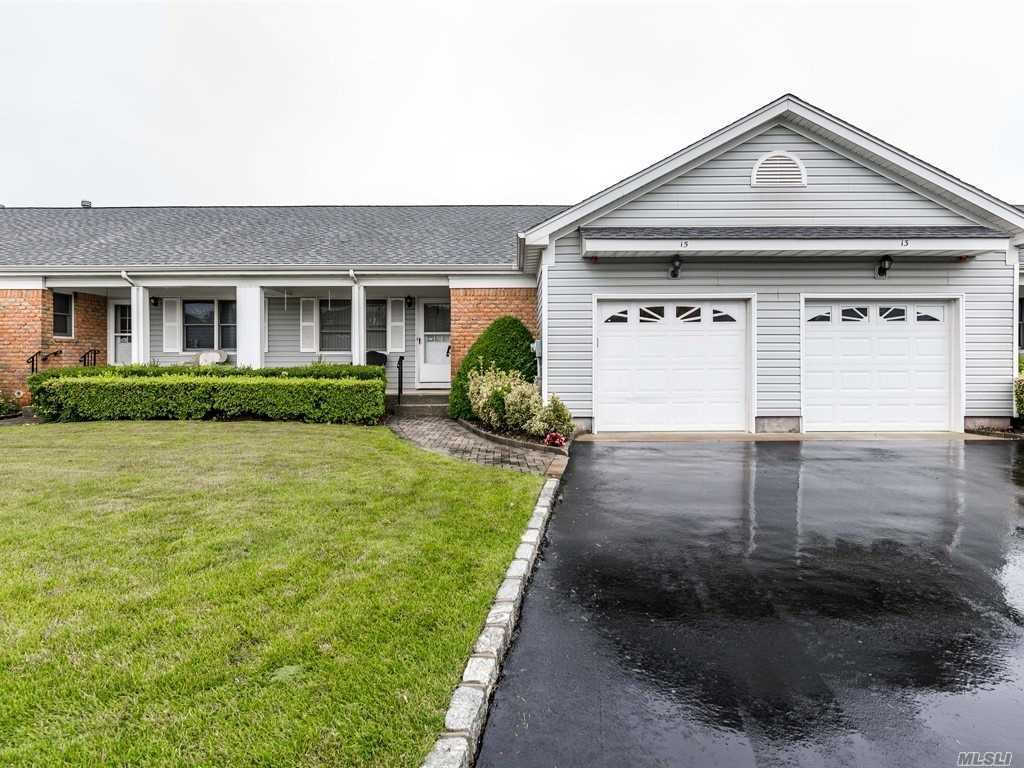 Video Tour  - 15 Primrose Ln, N. Babylon, NY 11703