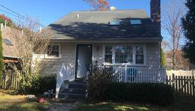 25 Ocean Ave, E. Quogue, NY 11942