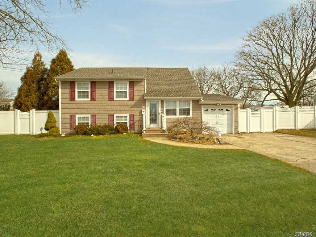 Video Tour  - 147 Ruth St, West Islip, NY 11795
