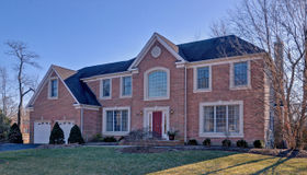 10 Deannas Way, Tinton Falls (tin), NJ 07724