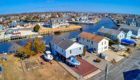 21 S Dayton Drive, Little Egg Harbor, NJ 08087