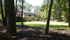 28 Westgate Court, Colts Neck (col), NJ 07722