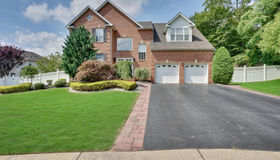 71 Crescent Court, Marlboro (mar), NJ 07751