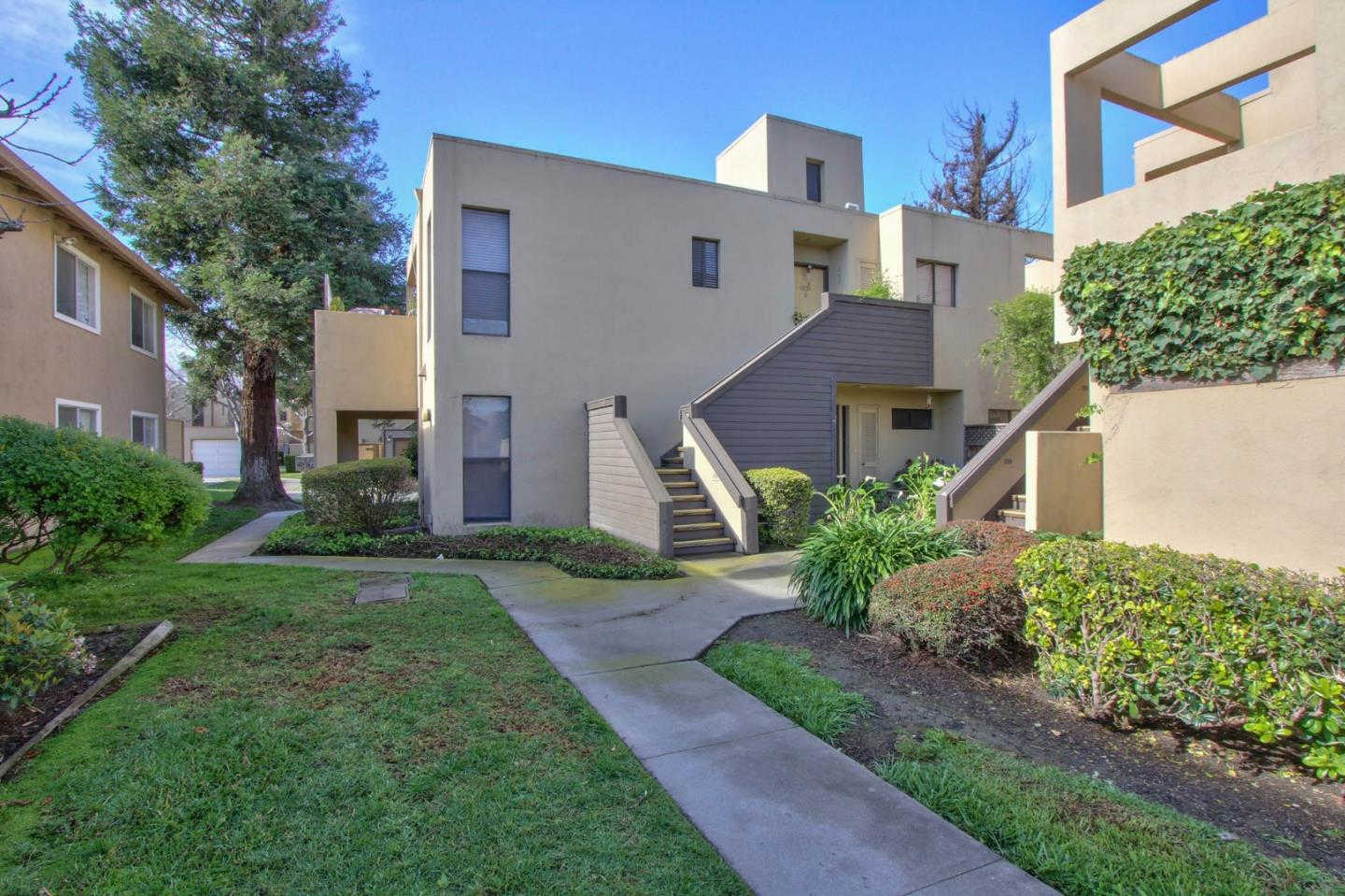 1051 Padre Drive #6, Salinas, CA 93901 now has a new price of $349,000!