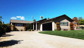 1310 Loma Vista Drive, Hollister, CA 95023