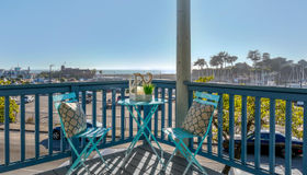 260 Lake Avenue #8, Santa Cruz, CA 95062