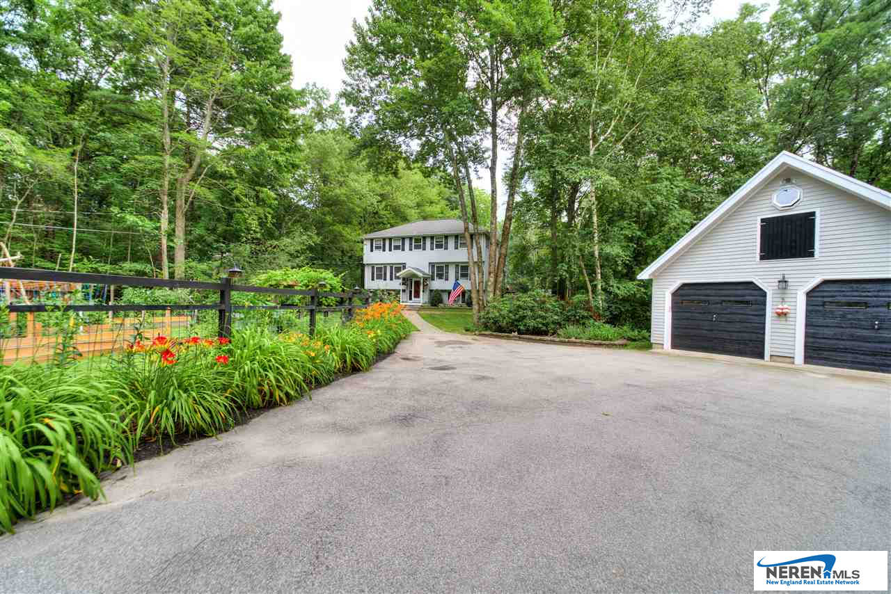 33 Pingree Hill, Derry, NH 03038 now has a new price of $434,900!