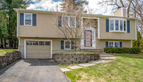 38 Nightingale Road, Nashua, NH 03062