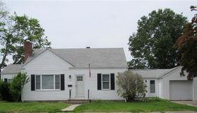 100 Woodside Av, Pawtucket, RI 02861