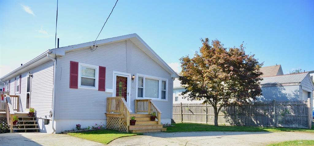 10 Homestead Av, Cranston, RI 02920 now has a new price of $214,900!