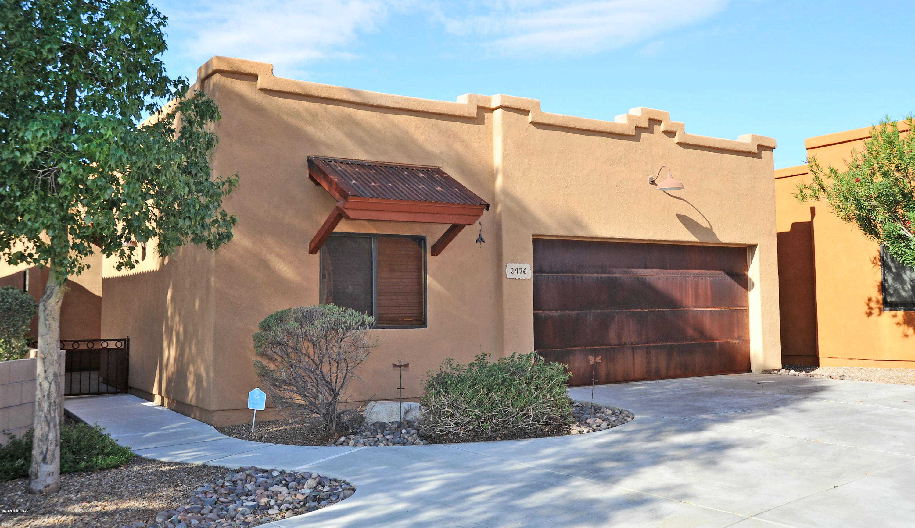 2476 W Silver Vista Place, Tucson, AZ 85745 is now new to the market!