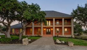 3220 Rolling Oaks Dr, New Braunfels, TX 78132-4362