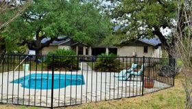 1902 Bentwood Dr, Floresville, TX 78114-6715