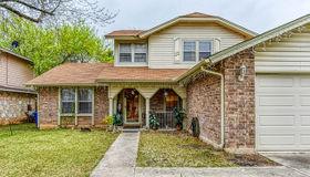 8331 Thorncliff Dr, San Antonio, TX 78250-3219