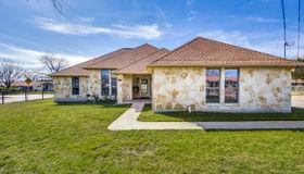 906 Marquette Dr, San Antonio, TX 78228-4737