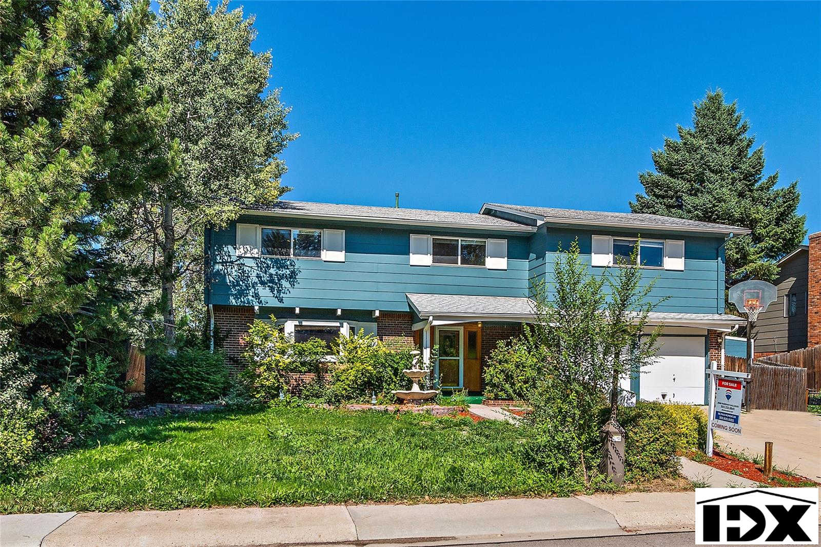 1327 South Lincoln Street, Longmont, CO 80501 is now new to the market!