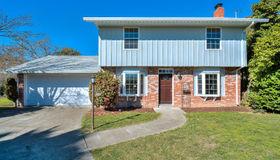 215 Westbrook Drive, Santa Rosa, CA 95401