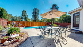1020 Hampshire Lane, Windsor, CA 95492