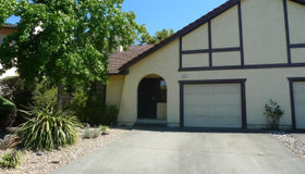 995 Hacienda Circle, Rohnert Park, CA 94928