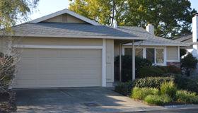 233 Vineyard Drive, Healdsburg, CA 95448