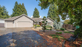 426 Tee Drive, Healdsburg, CA 95448