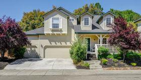 104 Village Oaks Court, Healdsburg, CA 95448