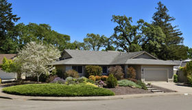 8854 Oak Trail Drive, Santa Rosa, CA 95409