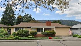 7070 Oak Leaf Drive, Santa Rosa, CA 95409