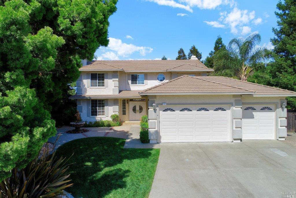 325 Stonemanor Court, Vacaville, CA 95687 now has a new price of $685,000!