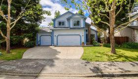 5021 Deerwood Drive, Santa Rosa, CA 95403