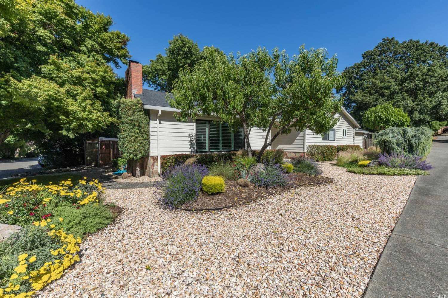 2701 Redwood Road, Napa, CA 94558 has an Open House on  Sunday, June 23, 2019 3:00 PM to 5:00 PM