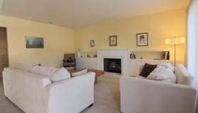 305 Orangewood Drive, Healdsburg, CA 95448