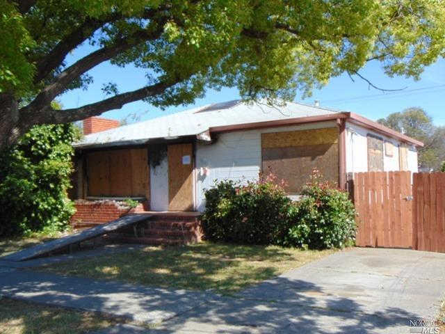 808 Illinois Street, Fairfield, CA 94533 now has a new price of $202,400!