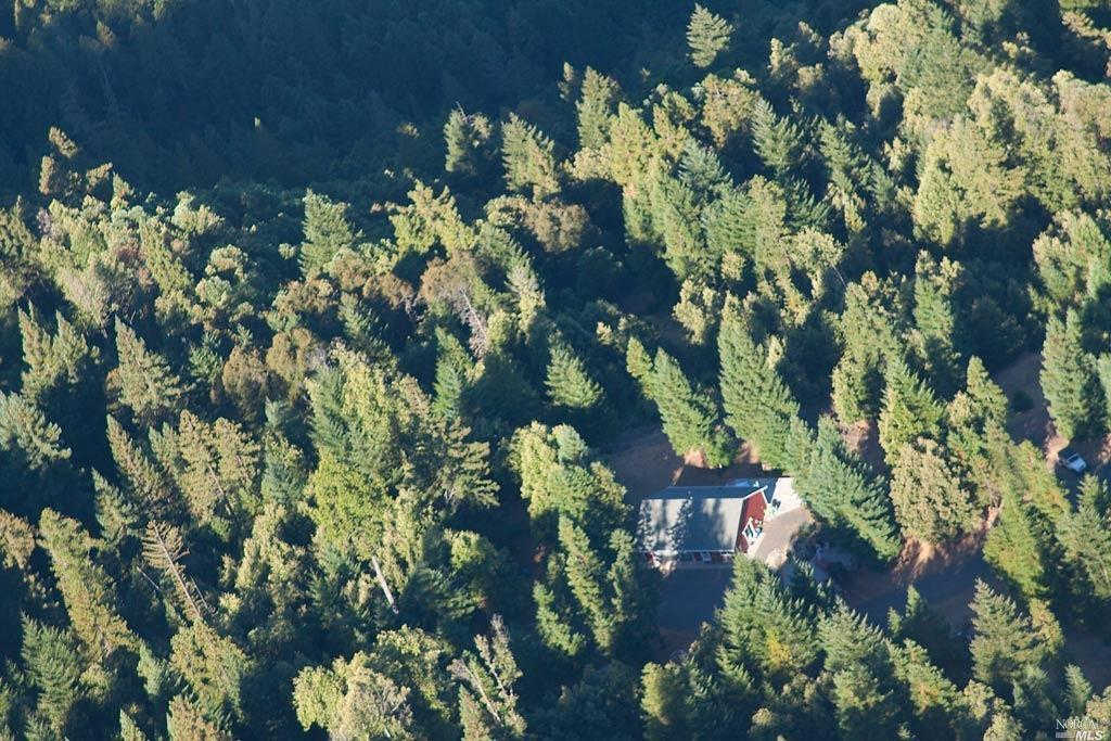 24000 Ridge Road, Willits, CA 95490 is now new to the market!