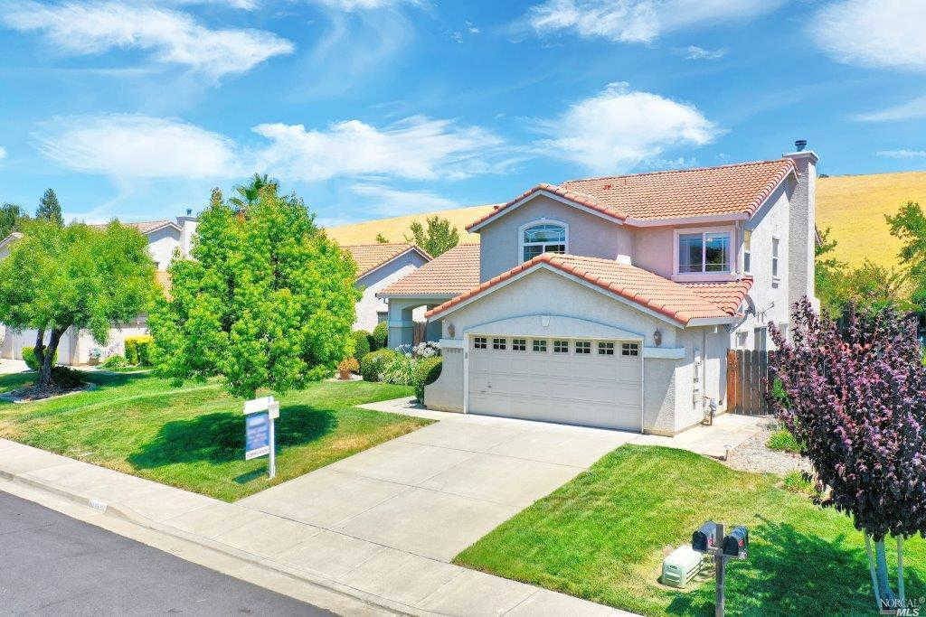 4033 Shaker Run Circle, Fairfield, CA 94533 is now new to the market!