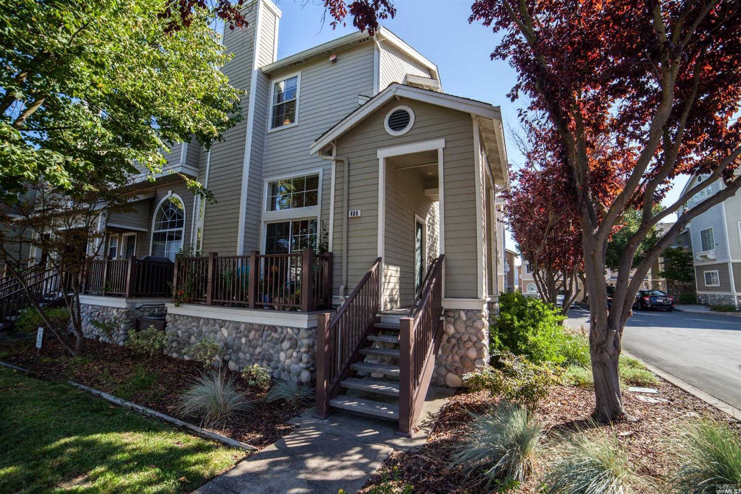 480 East E Street, Benicia, CA 94510 now has a new price of $570,000!
