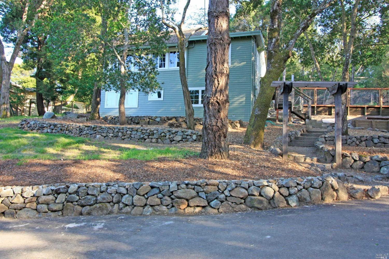 10 Rock Ridge Road, Woodacre, CA 94973 is now new to the market!