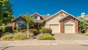 6725 Fairfield Drive, Santa Rosa, CA 95409