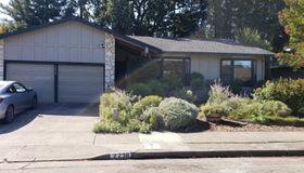 2238 Warwick Drive, Santa Rosa, CA 95405