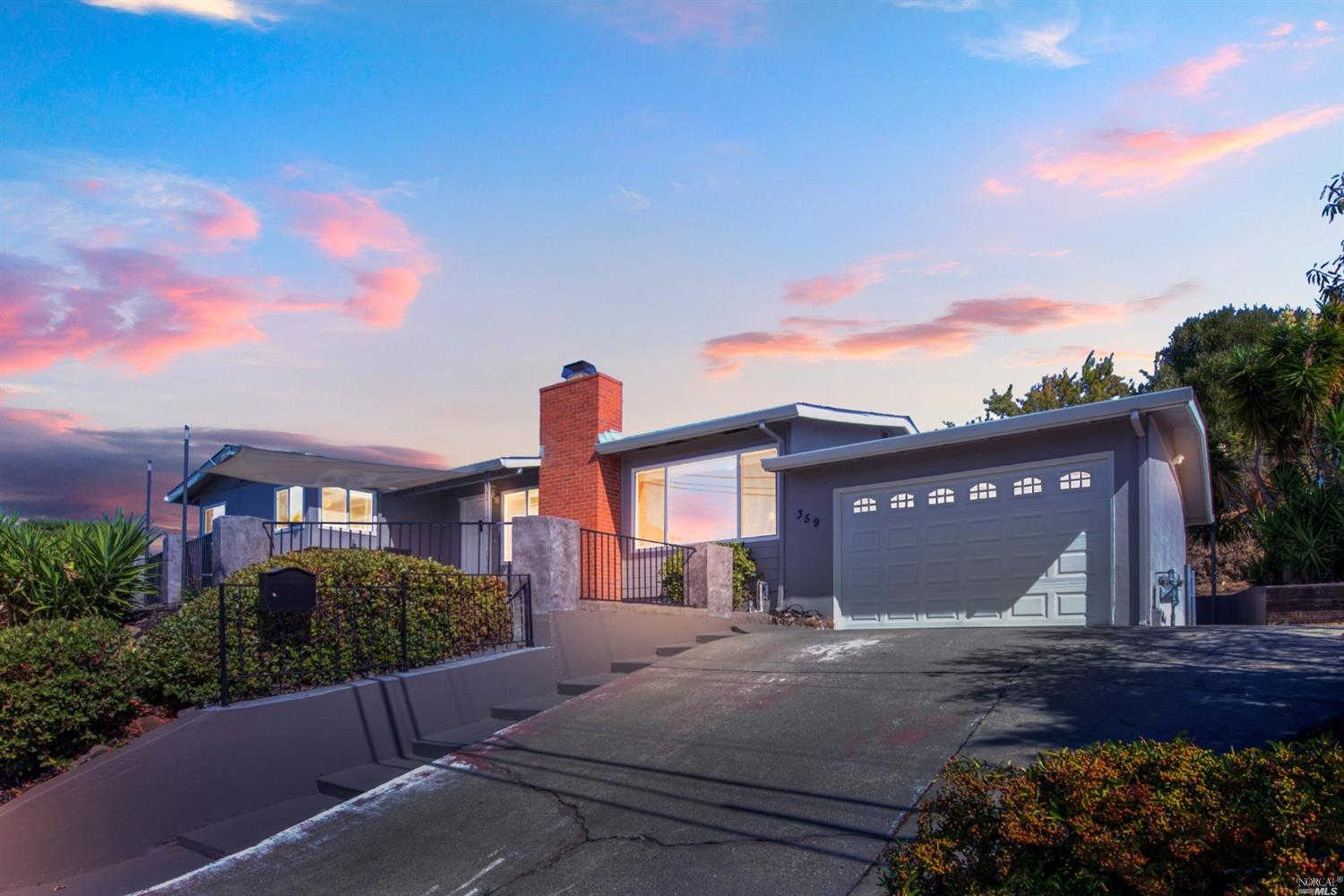 359 Viewmont Street, Benicia, CA 94510 now has a new price of $560,000!