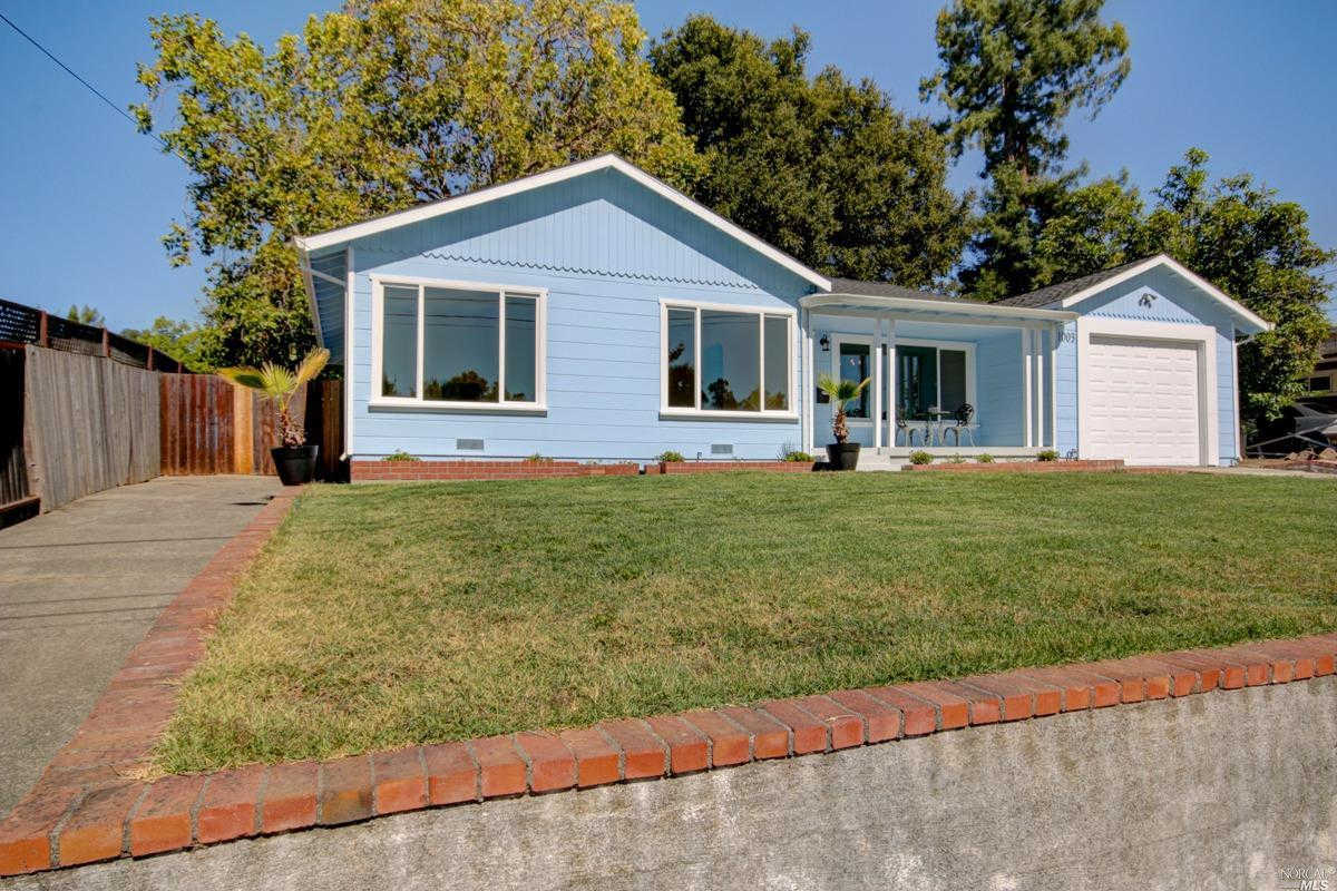 1003 Crest Drive, Santa Rosa, CA 95404 is now new to the market!