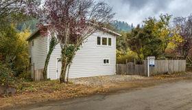 17990 Lark Drive, Guerneville, CA 95446