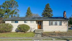 739 Trowbridge Street, Santa Rosa, CA 95401