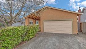 736 Louise Drive, Petaluma, CA 94954