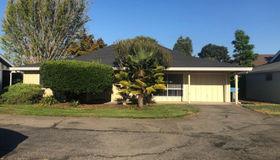 11 Oakgreen Circle, Santa Rosa, CA 95409