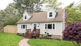 132 Packard St, Plymouth, MA 02360