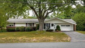 14 Catherine Road, Framingham, MA 01701