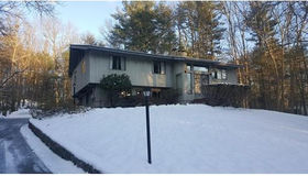 37 Stonecleave Rd, North Andover, MA 01845